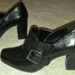Franco Sarto Black Leather Loafer Heels Size 6.5